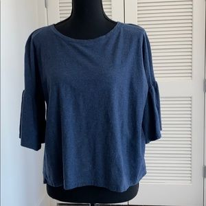 EUC blue Two by Vince Camuto with ruffle sleeves